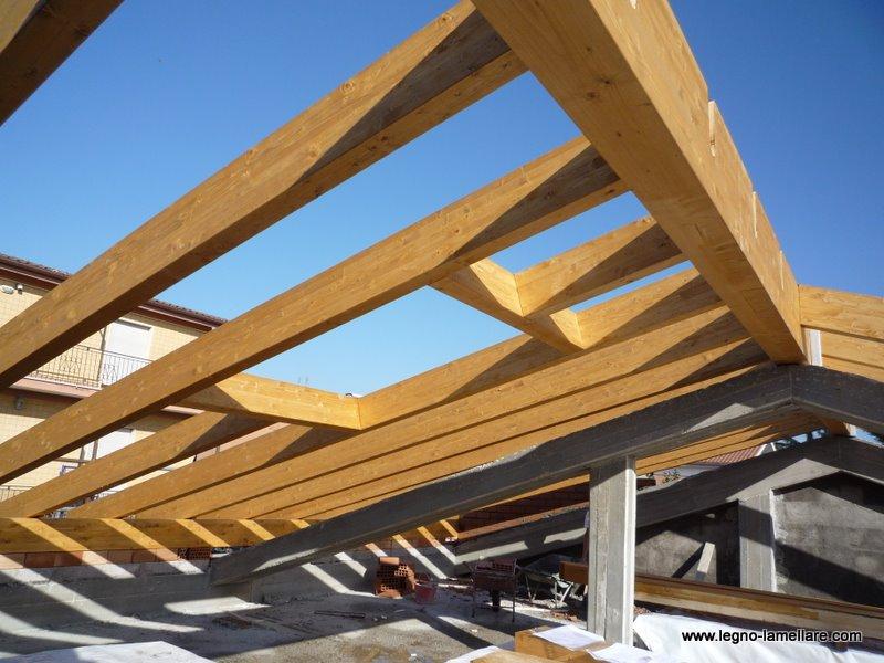 Tetto in legno lamellare pretagliato l 39 aquila abruzzo for Montaggio tetto in legno ventilato